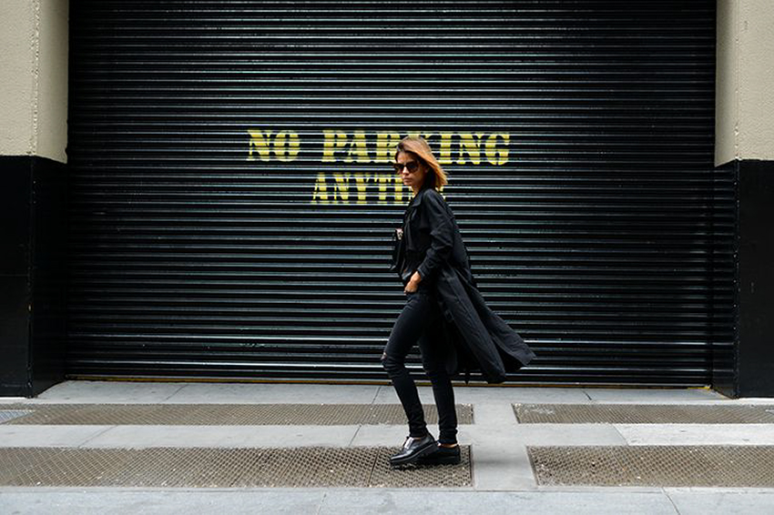 the petticoat resume 2014 total black new york streets (19)