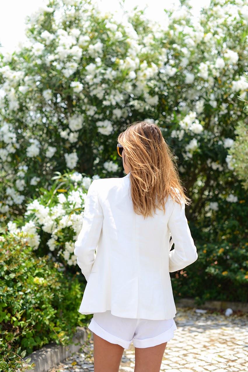 the petticoat resume 2014 lagos portugal total white flowers  (40)
