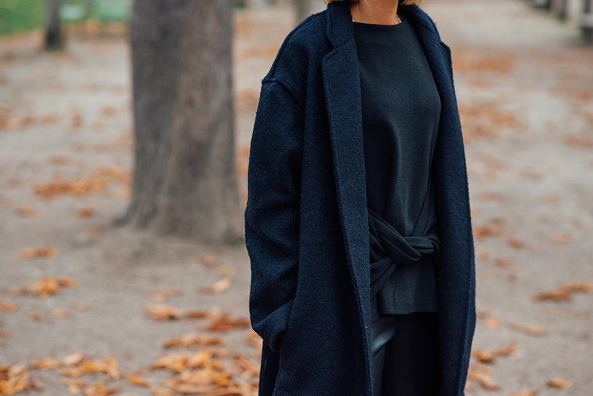 the petticoat tuileries paris autumn black navy (22)