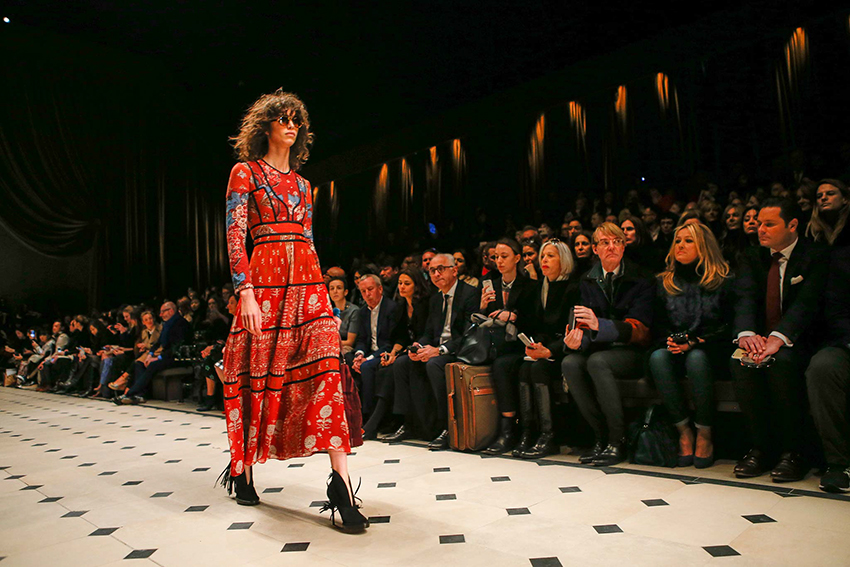 the-petticoat-burberry-prorsum-london-fashion-week-15-style-com-2