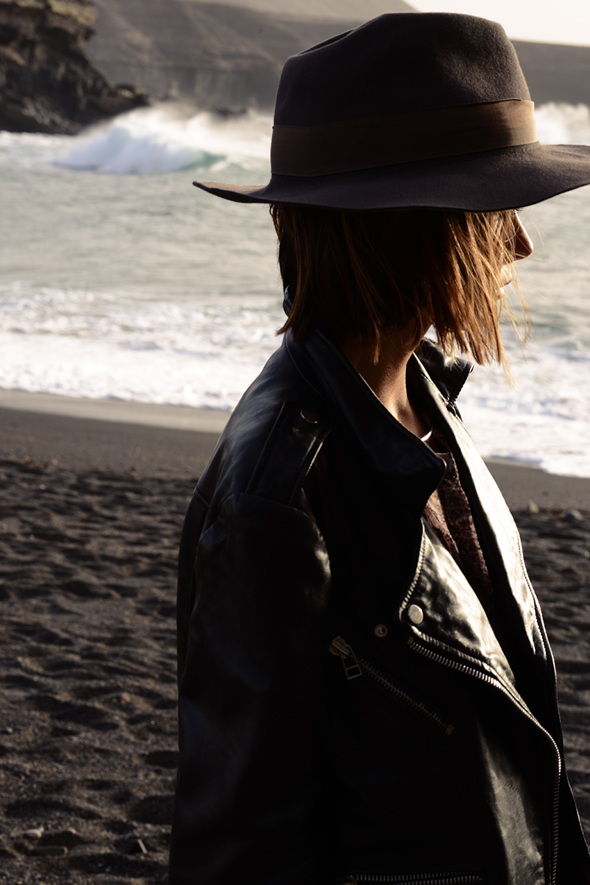 the petticoat beach portugal hat black jacket 3