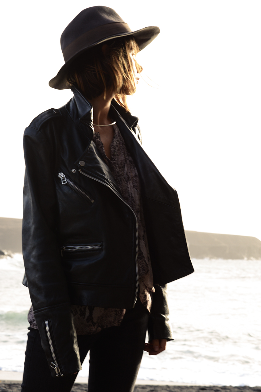 the petticoat beach portugal hat black jacket 5