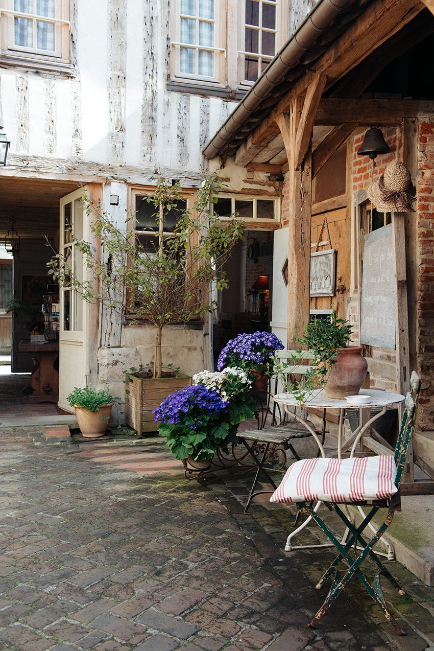 The Petticoat-France travel Diaries Normandie (50)