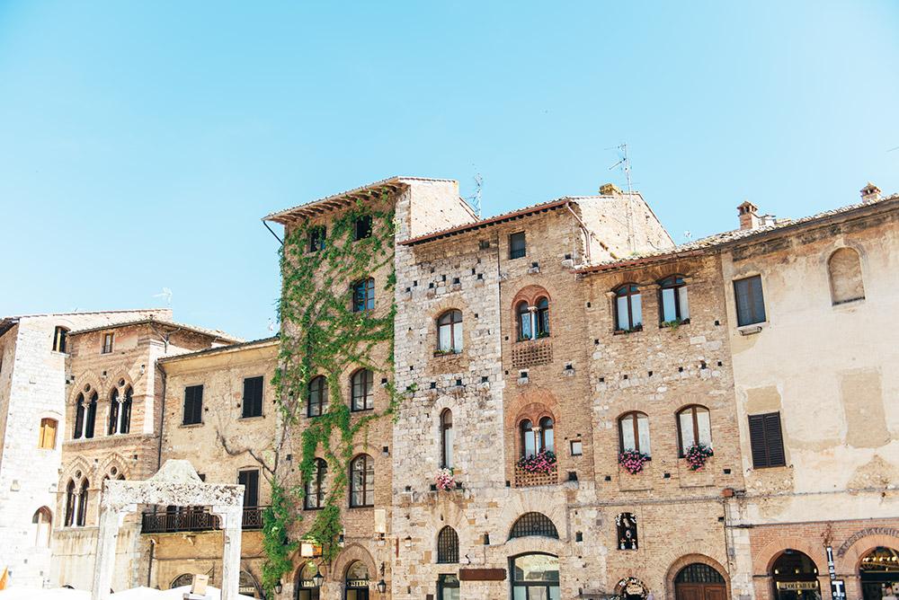 The Petticoat-Italy-Lago Iseo-Tuscany (21)