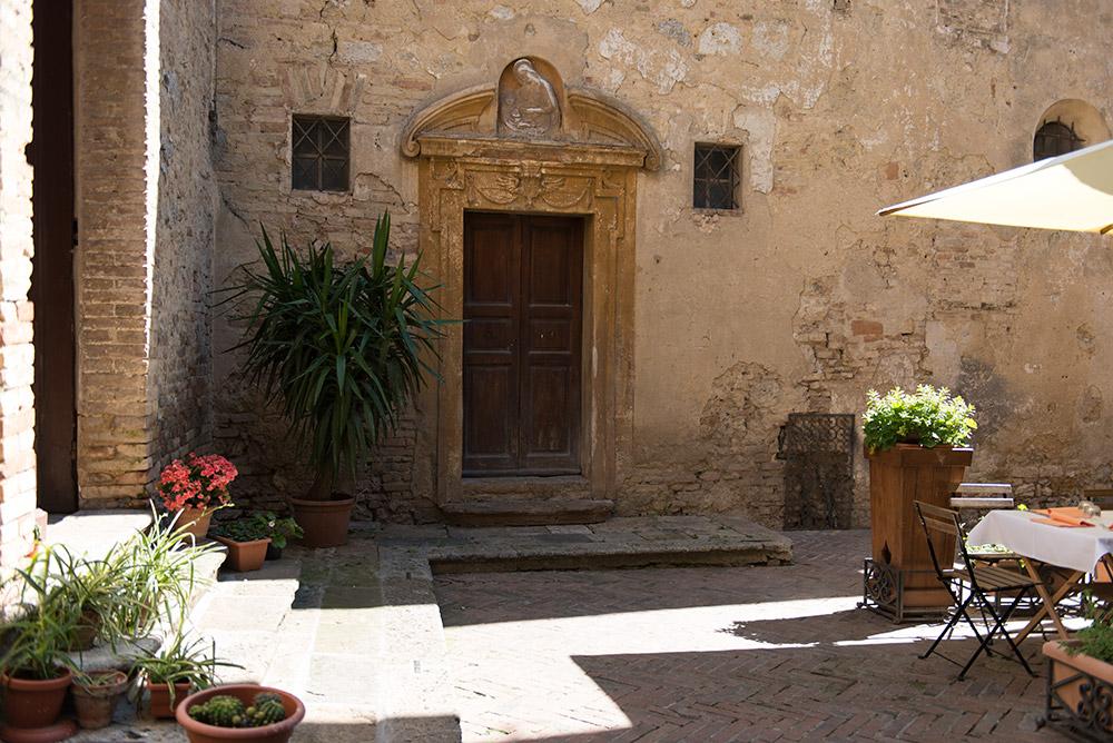 The Petticoat-Italy-Lago Iseo-Tuscany (23)