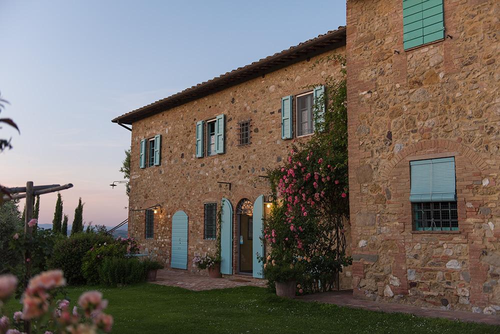 The Petticoat-Italy-Lago Iseo-Tuscany-bh