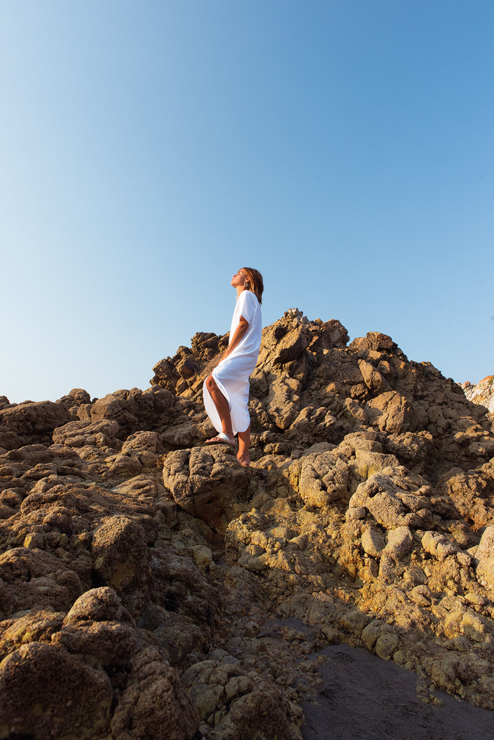 The Petticoat - White Dress Arnao Beach Rocks Summer And other Stories  (13)
