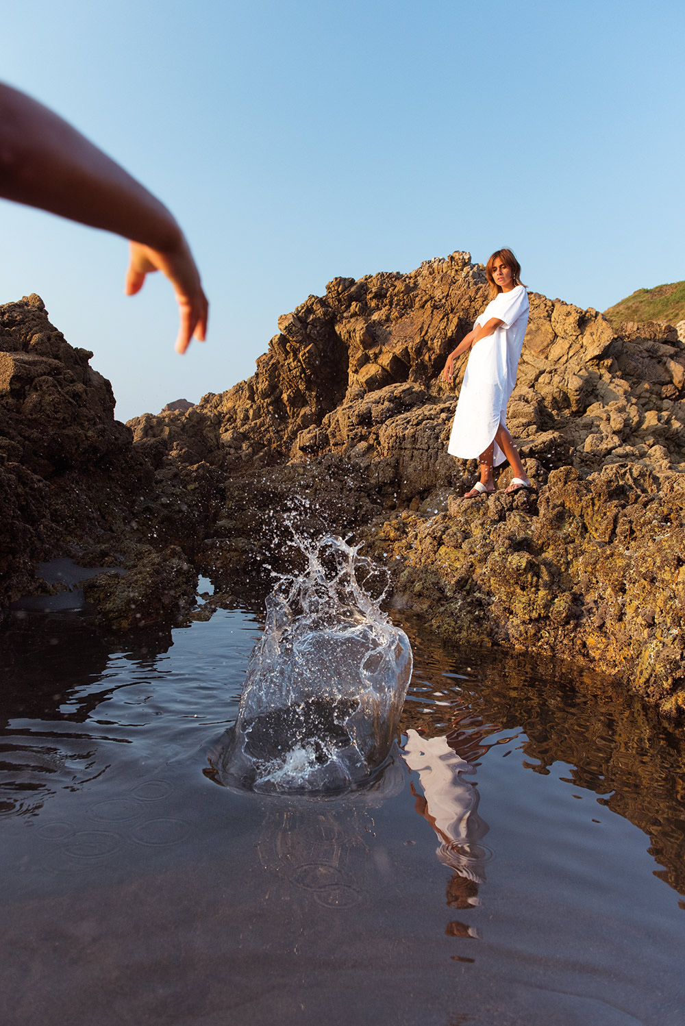 the-petticoat-white-dress-arnao-beach-rocks-summer-and-other-stories-20b