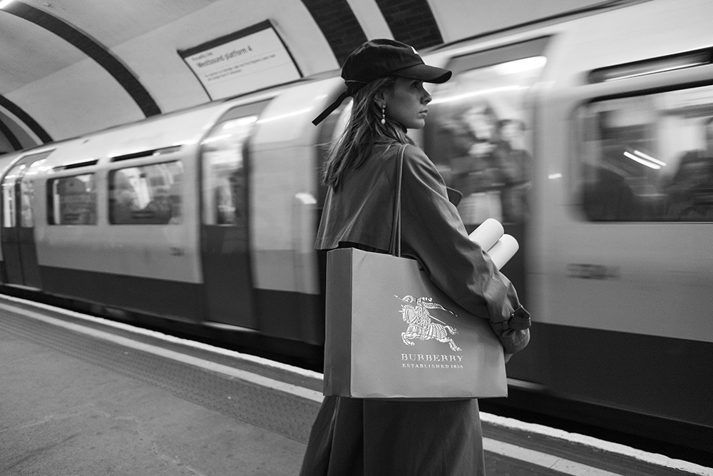 The Petticoat - London Fashion Week 17 -Photo Diary underground meeting burberry