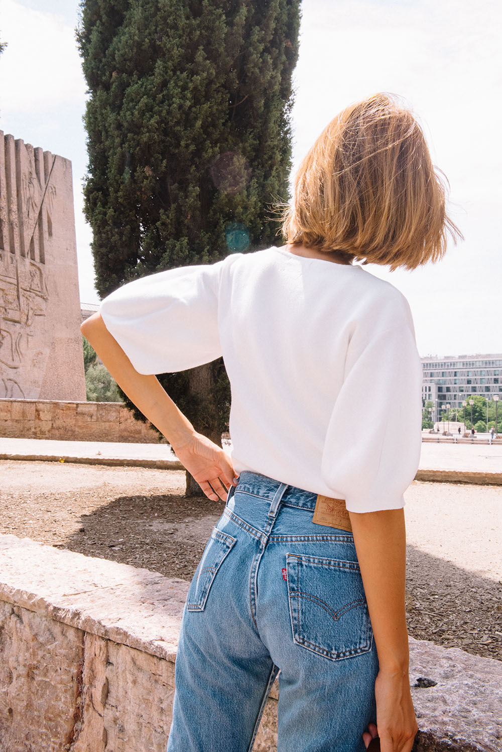 massimo-dutti-white-top-levis-pants-sandro-bag-by-the-petticoat-28